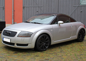 Audi-TT Teilfolierung Schwarz