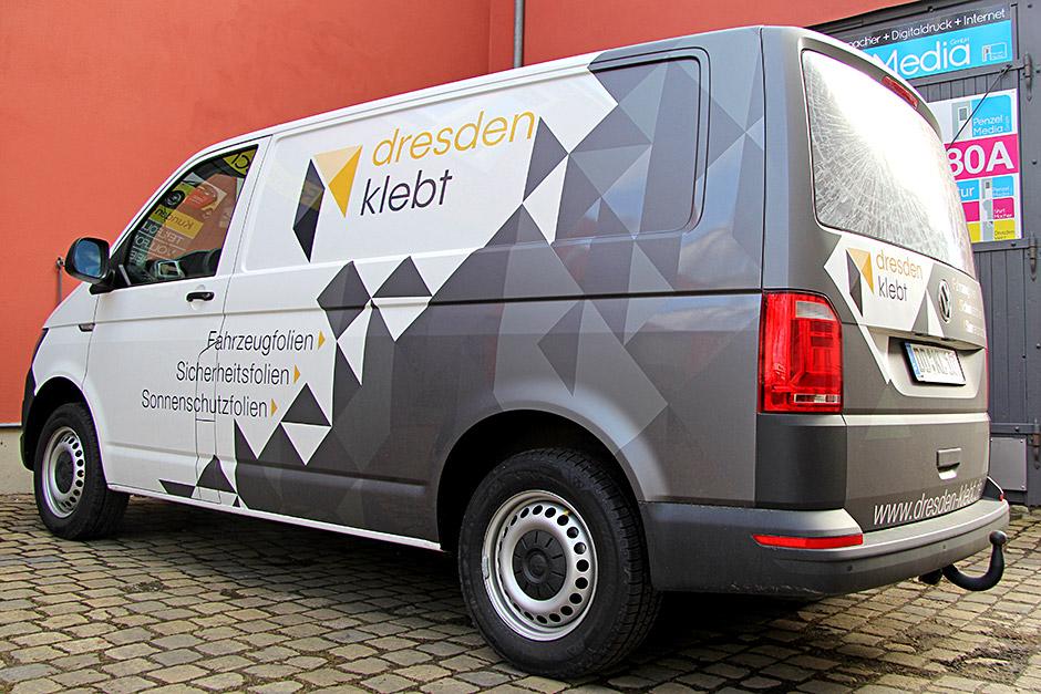 Dresden klebt - VW Eigenwerbung